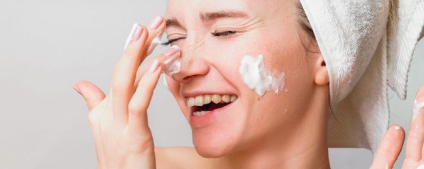 Como cuidar da pele: 5 dicas para a sua rotina skincare